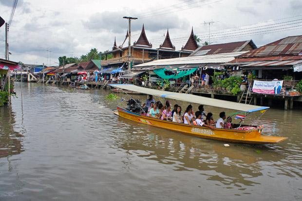 Fotos del Mercado flotante de Amphawa en Tailandia (16)