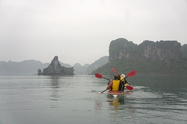 Kayak-en-Ha-Long-Bay - copia