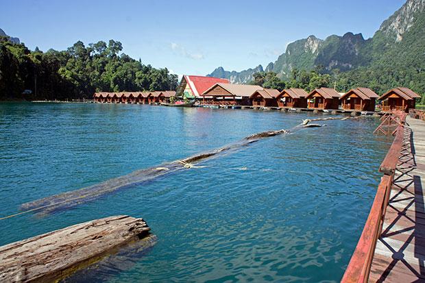 Nuestro-resort-flotante