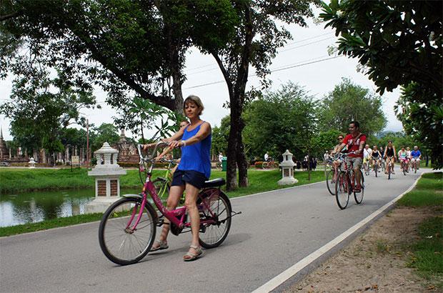 En-bici-por-Sukhothai