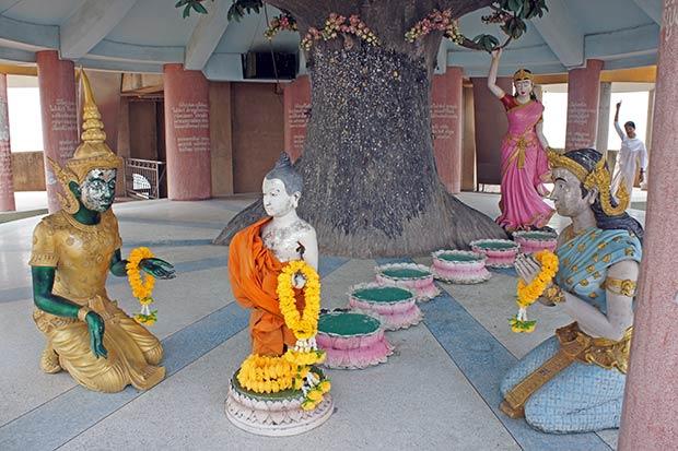 Escena del nacimiento de Buda