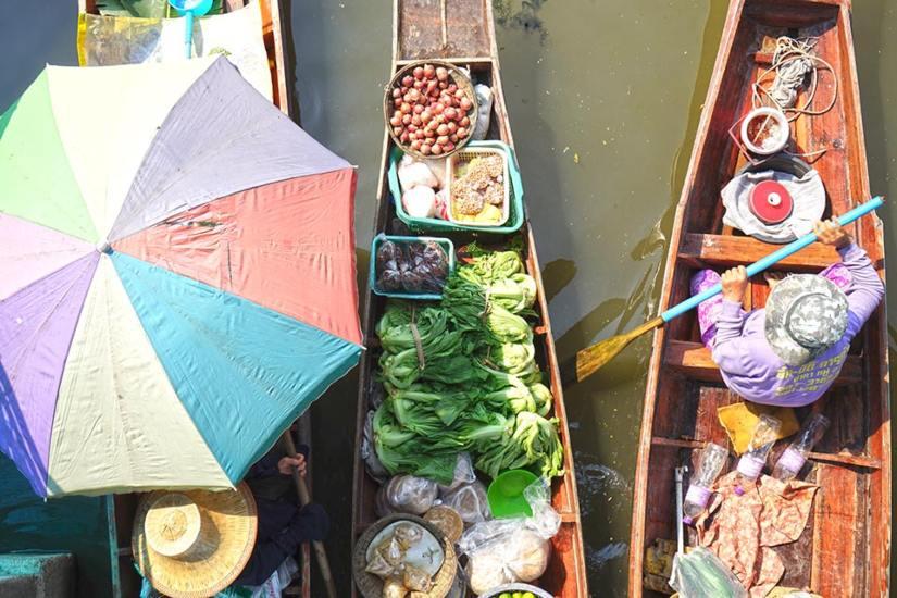 Mercados flotantes en Tailandia