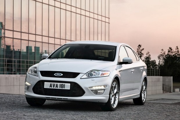 Ford-Mondeo-2011-01