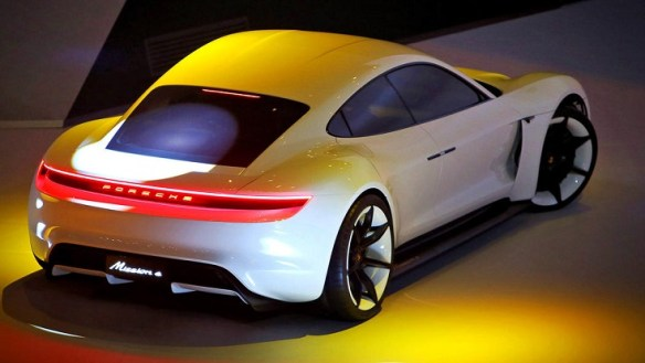 Porsche Mission E - Traseira