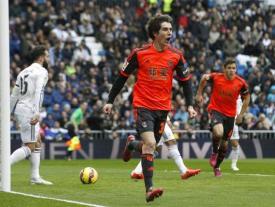 Aritz Elustondo celebra el gol anotado en el Bernabéu.