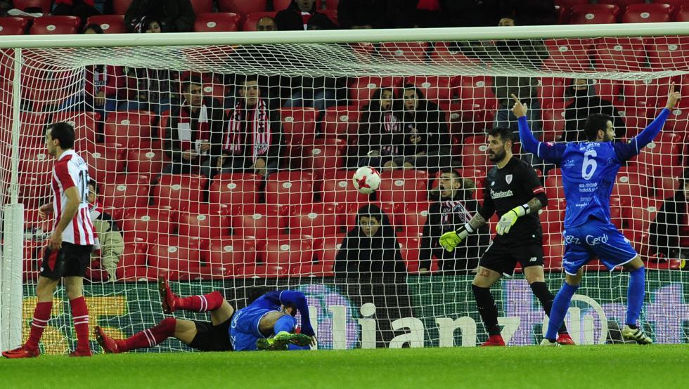 El Athletic se despidió de la Copa con el gol de Álvaro