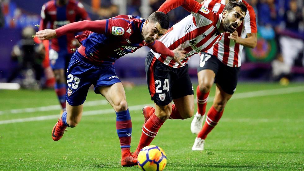 Mikel Balenziaga, durante un momento del partido ante el Levante