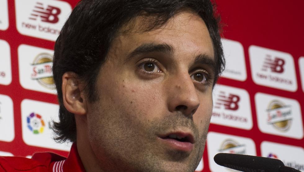 Etxeita celebra su renovación con el Athletic por una temporada, con opción a otra.