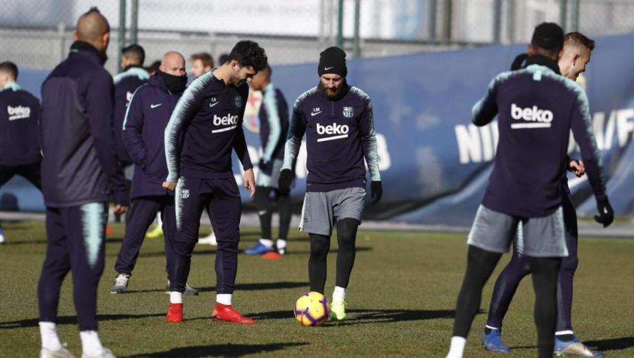 Entrenamiento del FC Barcelona posterior al partido de Copa en Valencia ante el Levante