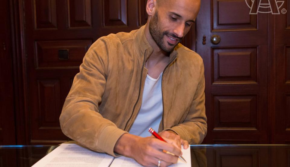 Mikel Rico ha firmado con Josu Urrutia su renovación hasta 2019