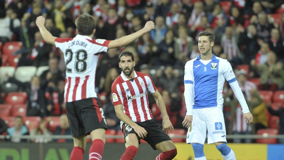 Córdoba celebra el primero de los goles de Raúl García