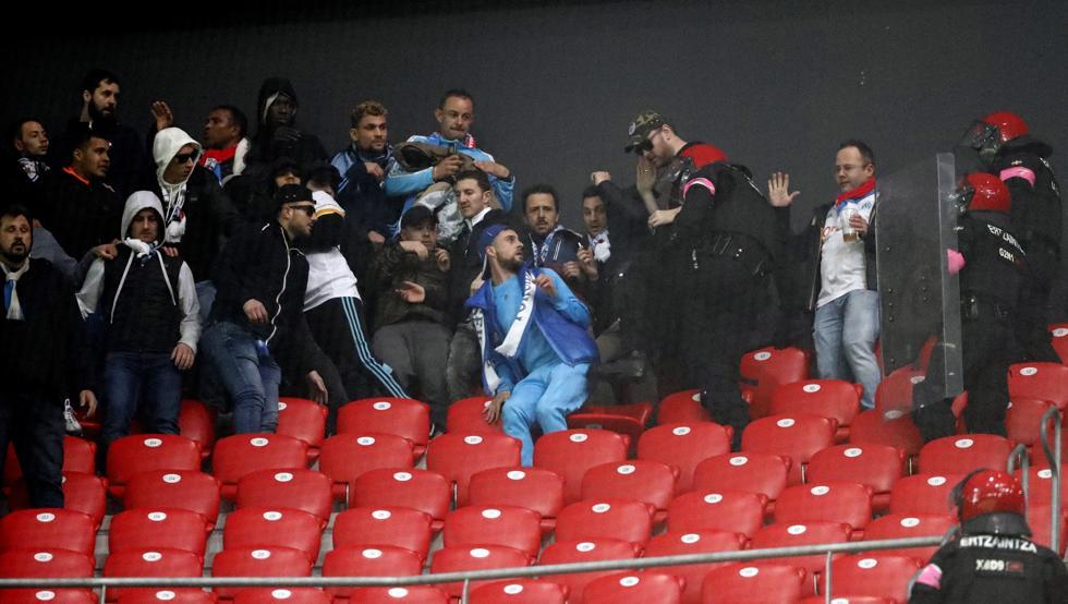 San Mamés fue escenario de incidentes de los seguidores del Olympique