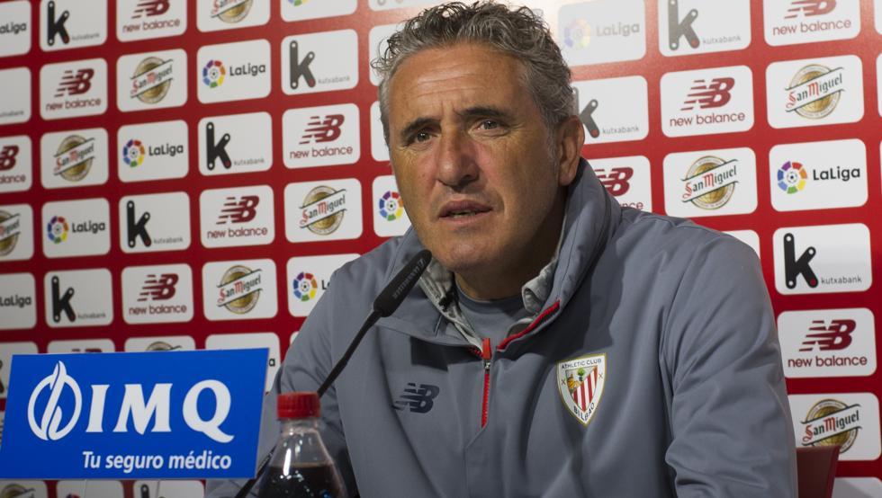 Joseba Agirre teme el peligro a balón parado que le pueda ocasionar el Sevilla.