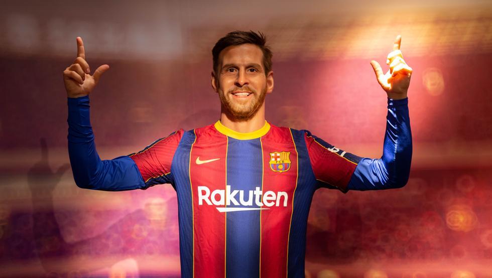 Se parece Messi a su replica de cera?