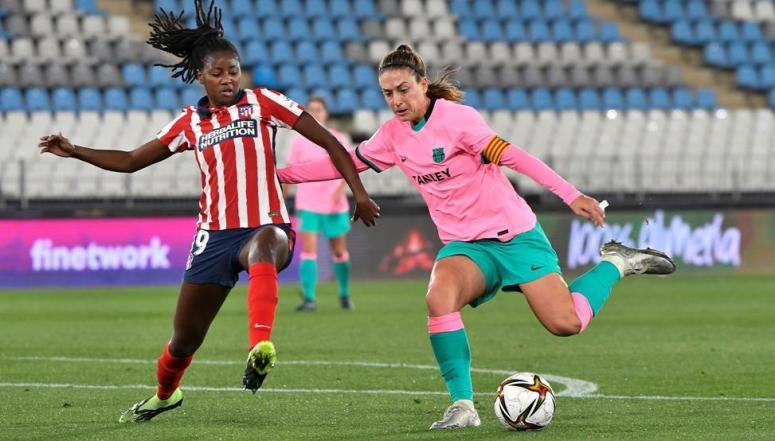 Supercopa femenina: Sin VAR, dos penaltis birlados al Barça y uno dudoso sí  señalado al Atlético