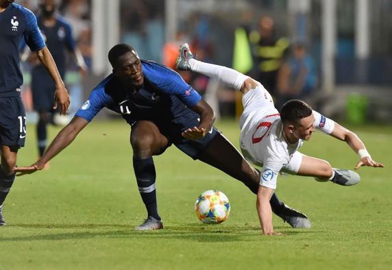 Ibrahima Konaté, durante un partido con la selección francesa Sub-21