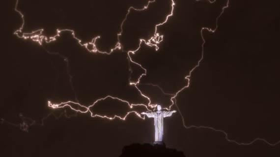 Cristo redentor brasil rayos