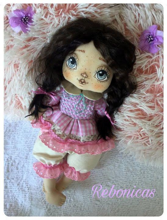 Muñeca de tela Lola tutorial y patrón