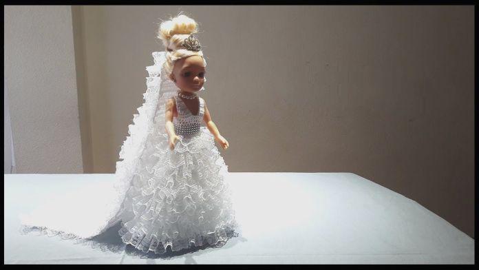Vestido de novia a crochet para la muñeca Nancy