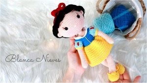 Muñeca princesa Blanca Nieves Amigurumi