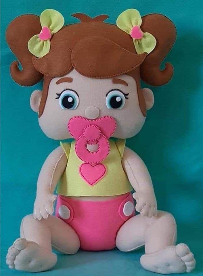 Muñeca Bebé niña en fieltro con moldes