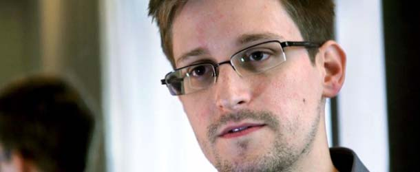 Edward Snowden revela documentos clasificados OVNI