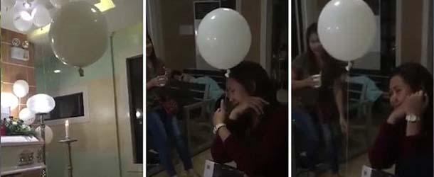 Video muestra el fantasma de un niño consolando a su madre con un globo en un velatorio
