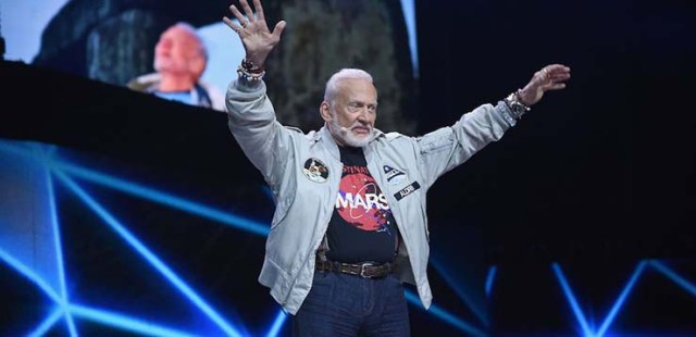 buzz aldrin lie detector - Buzz Aldrin and three other astronauts pass the lie detector on their encounters with UFOs