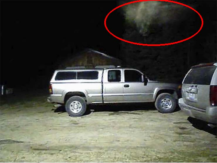 firefighters angel - Fire Chief of an American city assures that his security camera captured a real angel