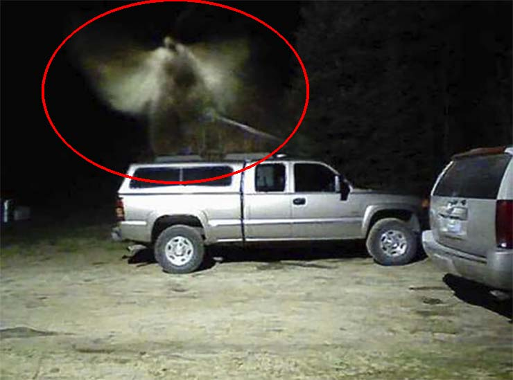 chief firefighter angel - Fire Chief of a US city ensures that his security camera captured a real angel