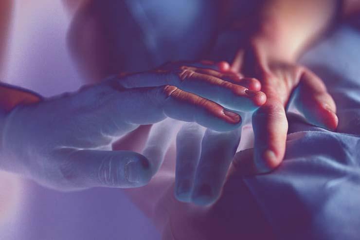 Rêves d'êtres chers décédés - Comment interagir avec des êtres chers décédés grâce au rêve lucide