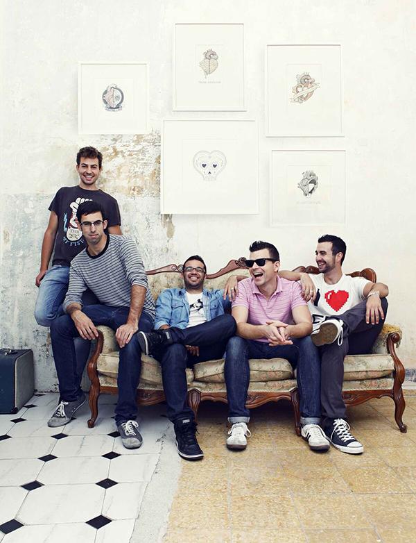 Los cinco integrantes del colectivo Boamistura