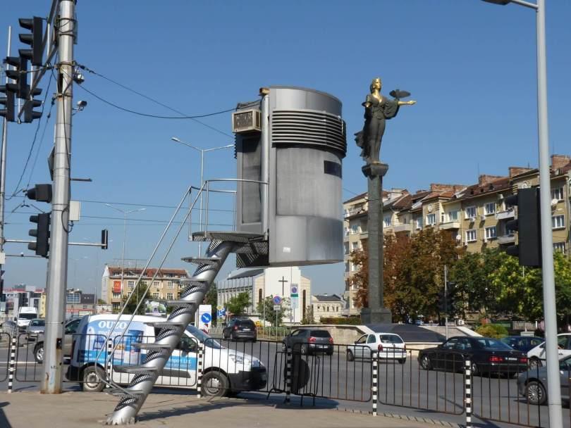 Sófia Bulgária torre de trânsito 01 Mundo Indefinido