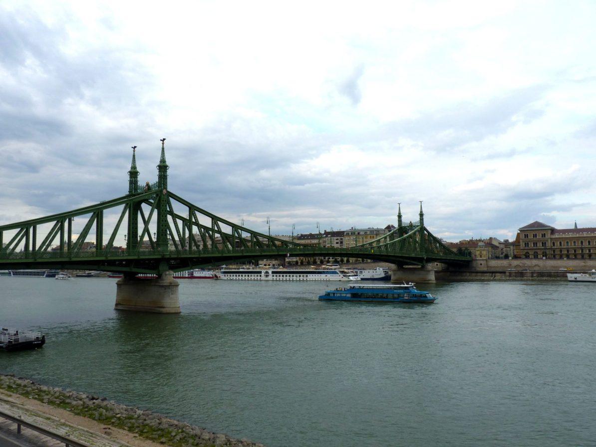 Ponte Szabadság 01 Budapeste Hungria Mundo Indefinido