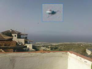 Objeto desconocido volando sobre Tenerife en España, 05 de noviembre 2010.