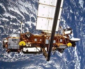 NASA avisa que un satélite de 6,5 toneladas caerá de vuelta a la Tierra, 2011