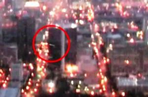 OVNI filmado desde el avión mientras se aproximaba a Birmingham, AL – 29 de marzo 2012