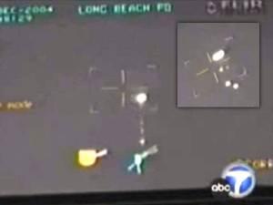 El departamento de policía de Long Beach, CA, graba vídeo OVNI