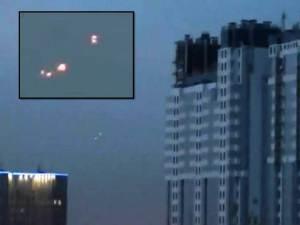 OVNIs en el cielo nocturno sobre San Petersburgo, Rusia – 12 de noviembre 2012