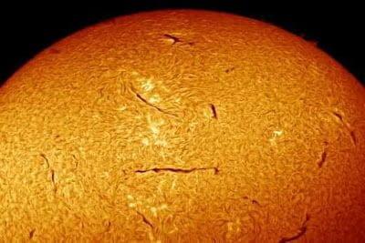 Extraña actividad alrededor del Sol – 15 de junio 2013