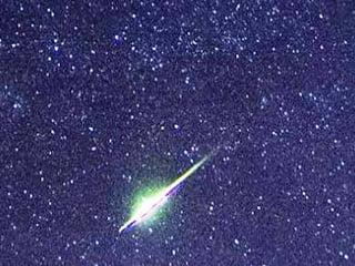 Increíble vídeo muestra meteoro explotando por encima de Victorville, California – 20 de agosto 2013