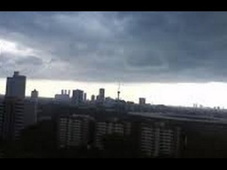 Sonidos apocalípticos de trompeta en Yakarta