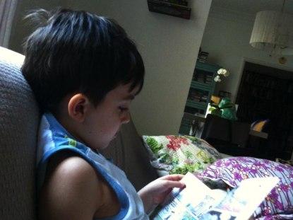 http://www.mundoovo.com.br/2013/criando-pequenos-leitores/