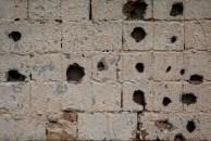 Com suas paredes também marcadas