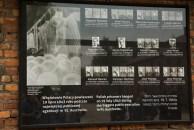 Prisioneiros poloneses enforcados em público
