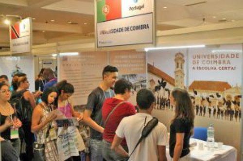 salao do estudante no brasil ucoimbra 300x200 - Instituições de ensino superior portuguesas presentes no Salão do Estudante no Brasil