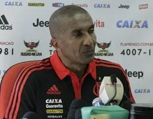 Em treino com presença de Torcidas Organizadas, Cristóvão dá pistas do time que jogará contra a Chapecoense