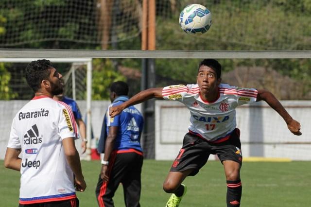Cristóvão trabalhou atividade baseada em futvolei para melhoria dos passes   Foto Gilvan de Souza/Flamengo