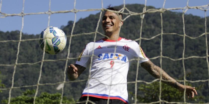 Guerrero volta depois de suspensão. O jogador quer voltar a resolver o caô.   Foto Gilvan de Souza/Flamengo