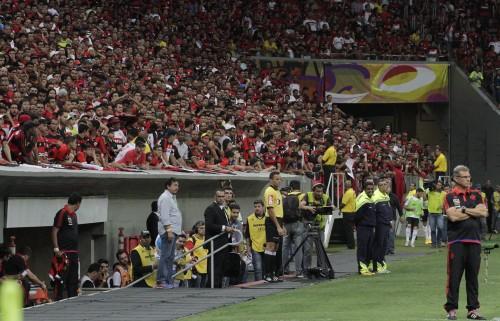 Torcida de Brasília contra Coritiba: decepção transformou-se em vaias e pouco apoio | Foto Gilvan de Souza/Flamengo